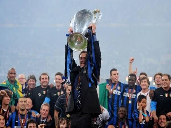 Mourinho cần tránh vết xe đổ ở Chelsea và Man Utd