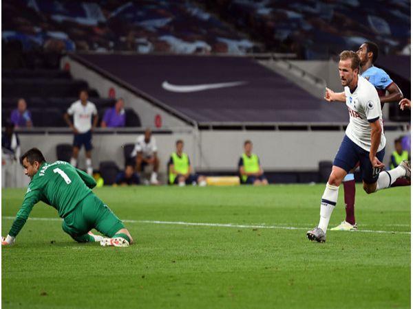 Kane đặt mục tiêu chạm mốc 200 bàn thắng