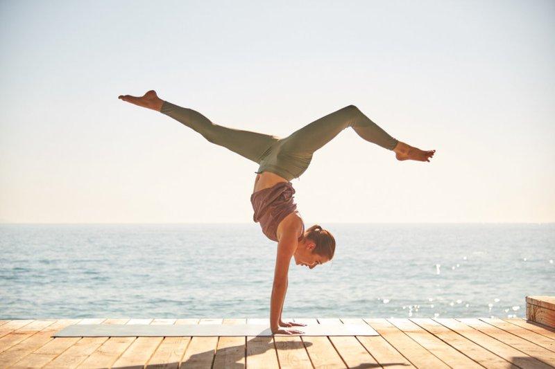 Tập Yoga có giảm cân không? 5 bài tập giúp giảm cân nhanh với Yoga
